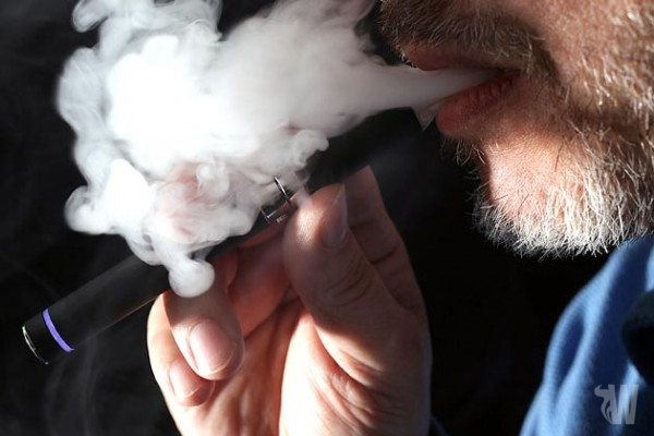 E-cigarettes fans upset about possible regulations