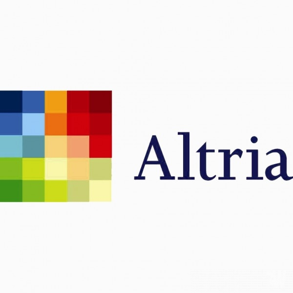 Analog Cigarette maker Altria ready to expand e-cigarettes