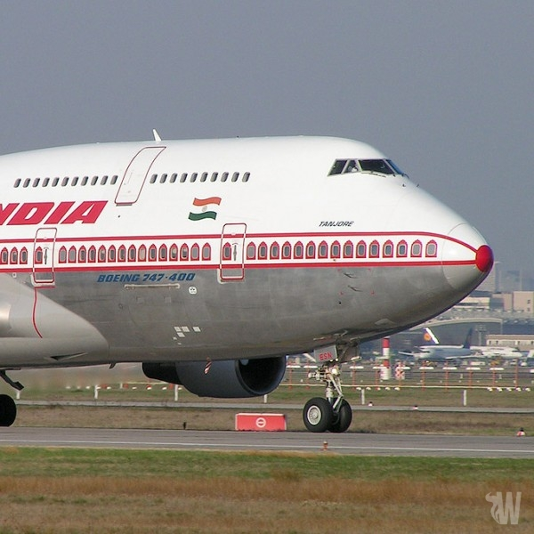 Air India welcomes e-cigs on planes which upsets the Health Ministry